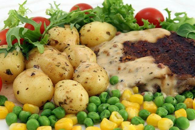 grilované maso se zeleninou.jpg