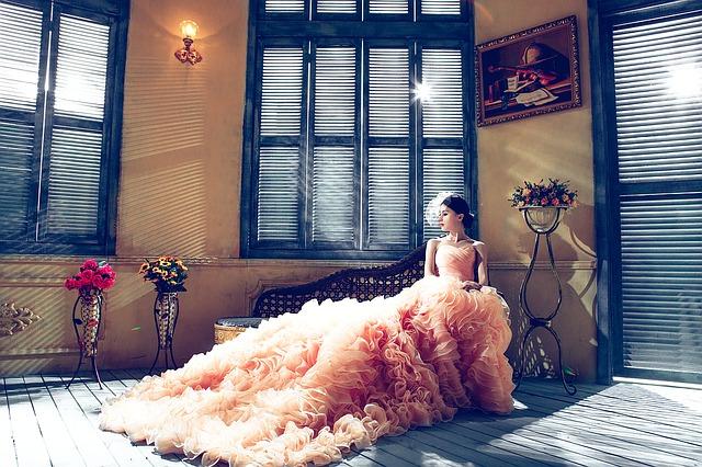 broskvové šaty.jpg